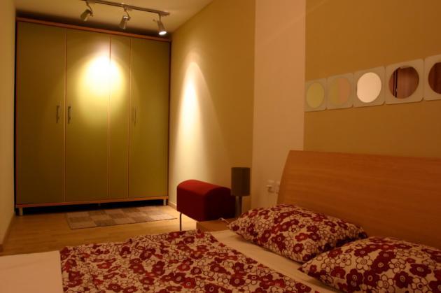 Vestavěné skříně na míru, příklad 076